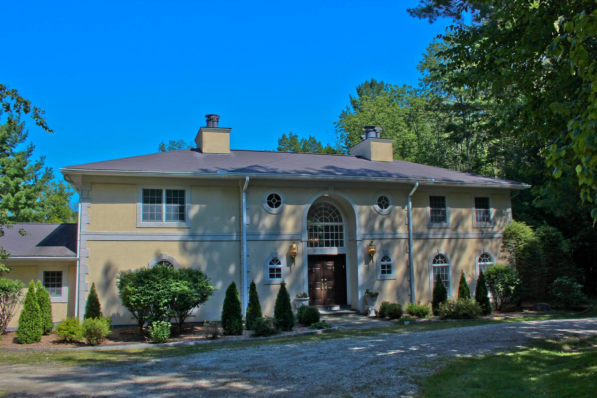 Serene italianate mansion massachusetts luxury homes for Italianate homes for sale