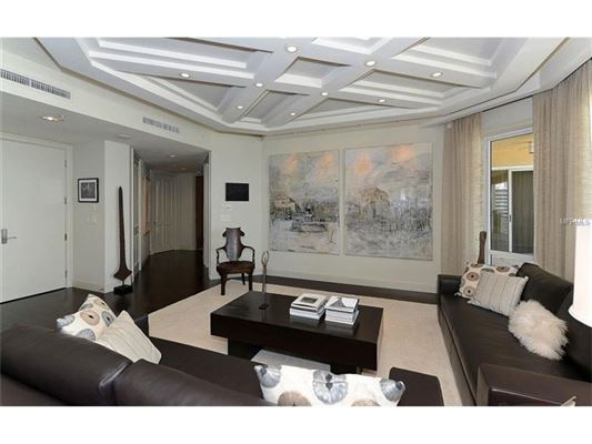 Spacious 12th floor home with panoramic views florida for 14x16 living room