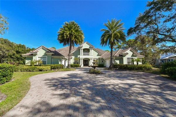 LUXURY COUNTRY CLUB LIVING | Florida Luxury Homes | Mansions For Sale |  Luxury Portfolio