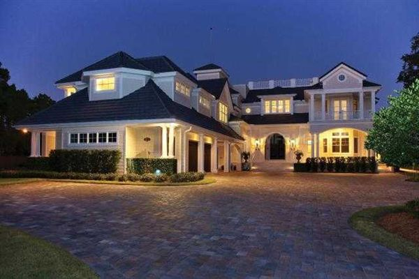 Escape to the hamptons on siesta key florida luxury for Mansions in the hamptons for sale