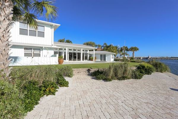 BEAUTIFUL SIESTA KEY RENTAL HOME | Florida Luxury Homes | Mansions For Sale  | Luxury Portfolio