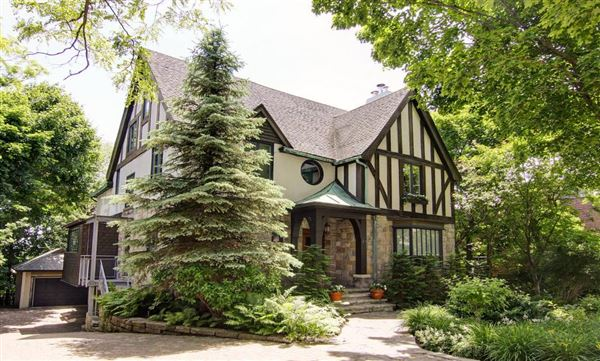 Tudor style home circa 1935 quebec luxury homes for Tudor style house for sale