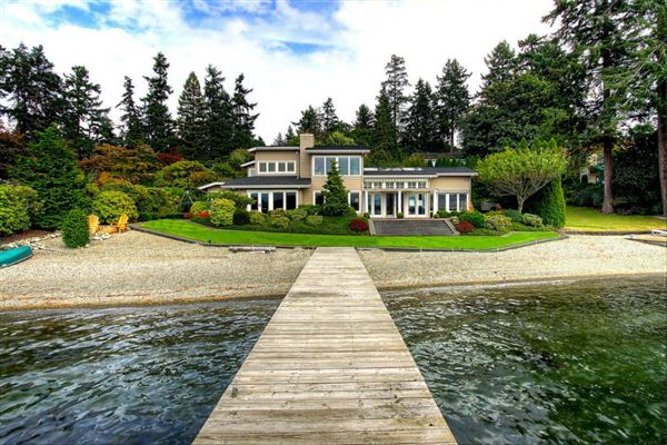 Waterfront on sought after american lake washington for American home builders washington