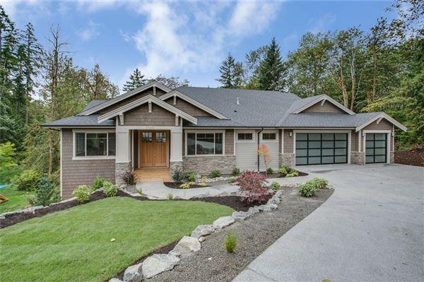 Large Daylight Rambler Washington Luxury Homes