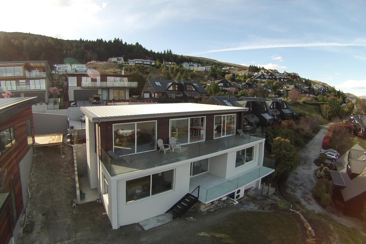 Enjoy every moment in queenstown new zealand luxury for Luxury homes for sale new zealand