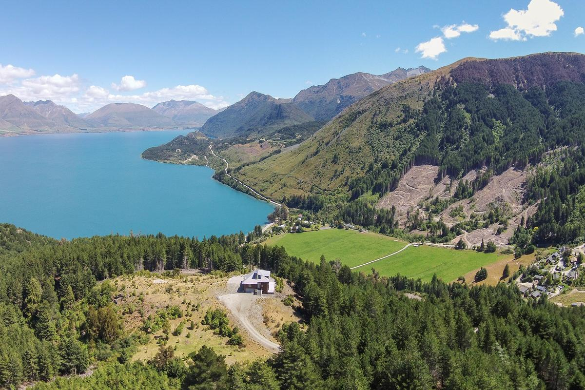 On top of the world new zealand luxury homes mansions for Luxury homes for sale new zealand
