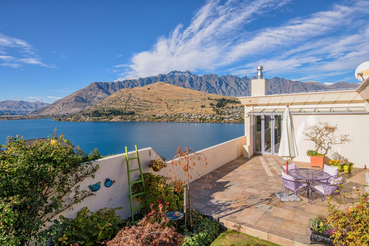 Exquisite residence new zealand luxury homes mansions for Panorama terrace queenstown