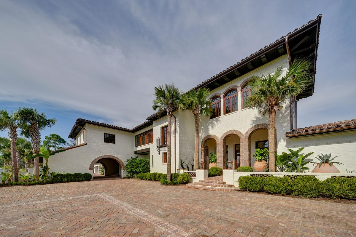 Impeccable Home Offers Views Of Frederica Lake Georgia
