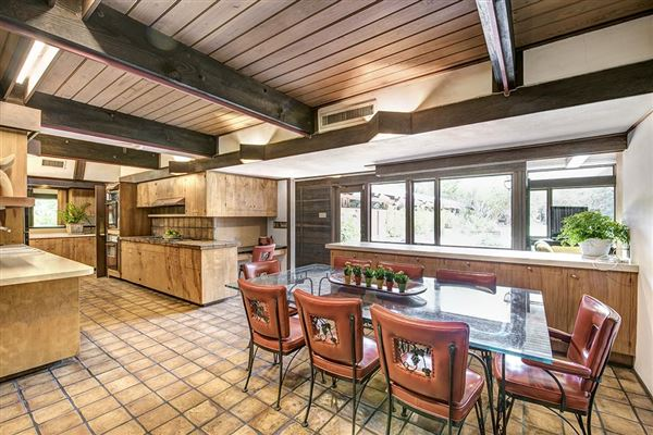 Fabulous mid century modern in river oaks texas luxury for Mid century modern homes for sale houston