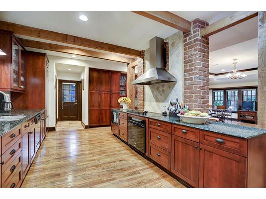 RIVER OAKS CLASSIC WITH EXTENSIVE UPDATES Texas Luxury Homes - Houston location in usa