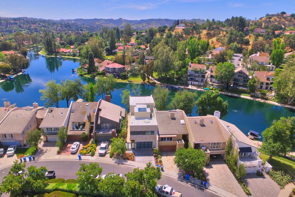 Completely Redone Home On The Lake California Luxury