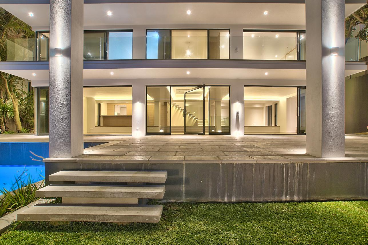 North facing multi level home south africa luxury homes for Multi level homes for sale
