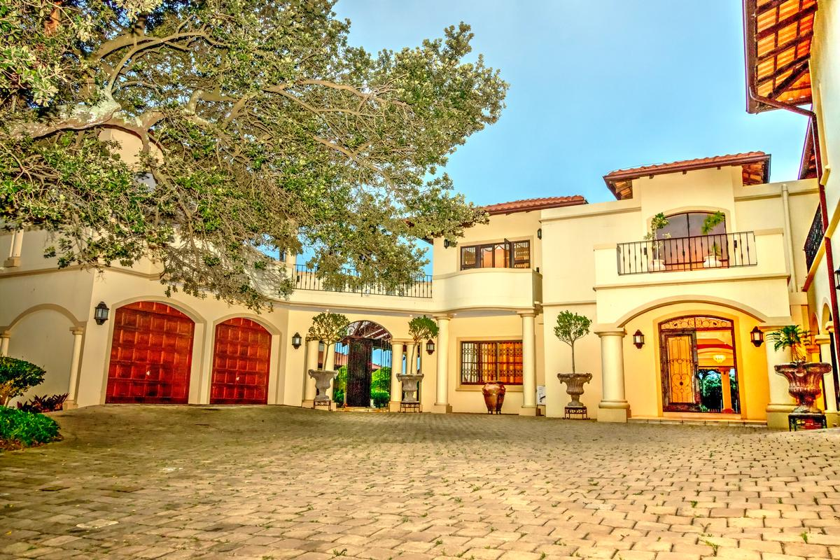 Exclusive spanish style villa south africa luxury homes for Spanish style homes for sale