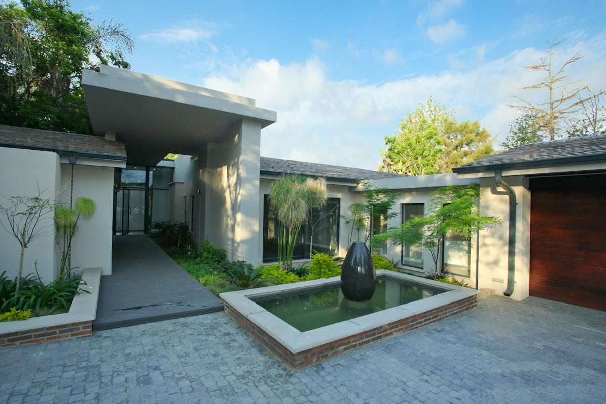 Contemporary living at its best south africa luxury for Devonshire home design garden city ny