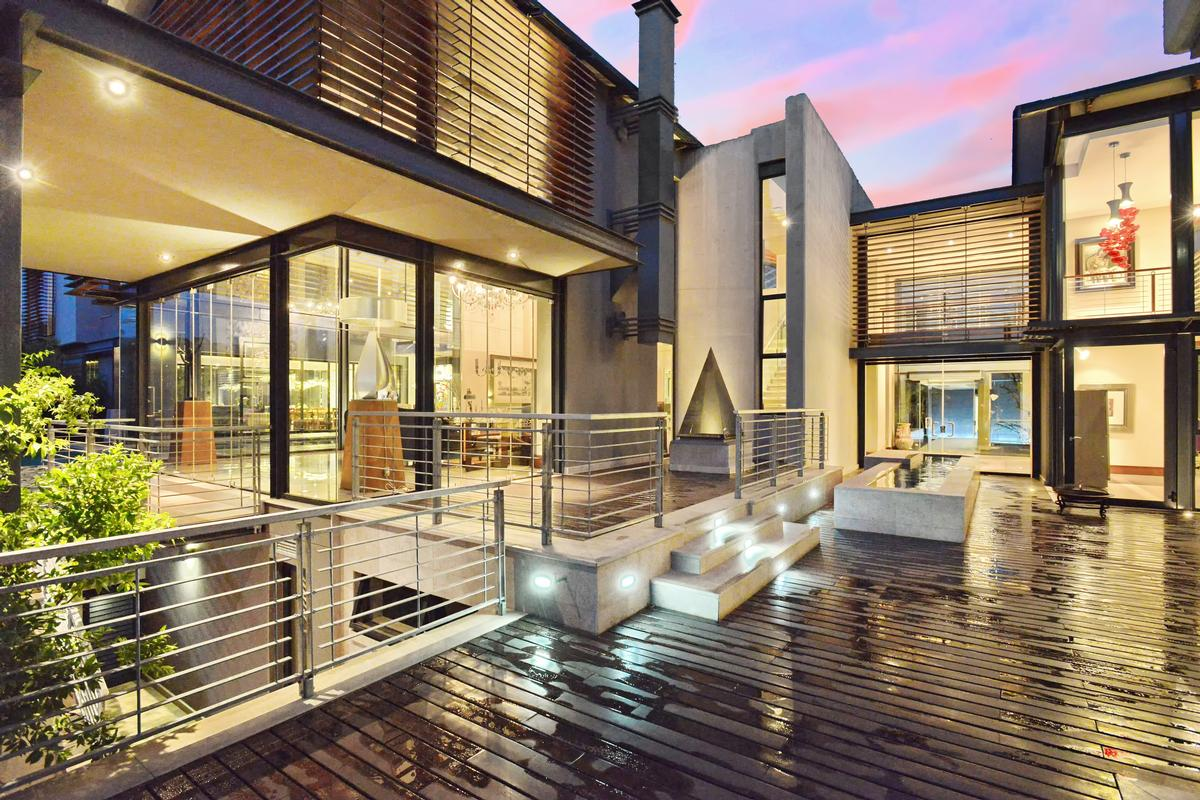 MODERN LIFESTYLE | South Africa Luxury Homes | Mansions For Sale | Luxury  Portfolio