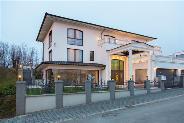 Elegant Beautifully Appointed Home In Lahr Germany Luxury Homes