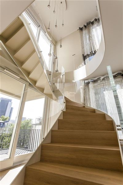 Whirlpool Frankfurt exceptional penthouse in midtown area of end germany luxury