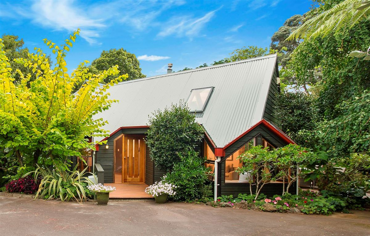 13 Poronui Street, Mt Eden, Auckland - NZL (photo 2)