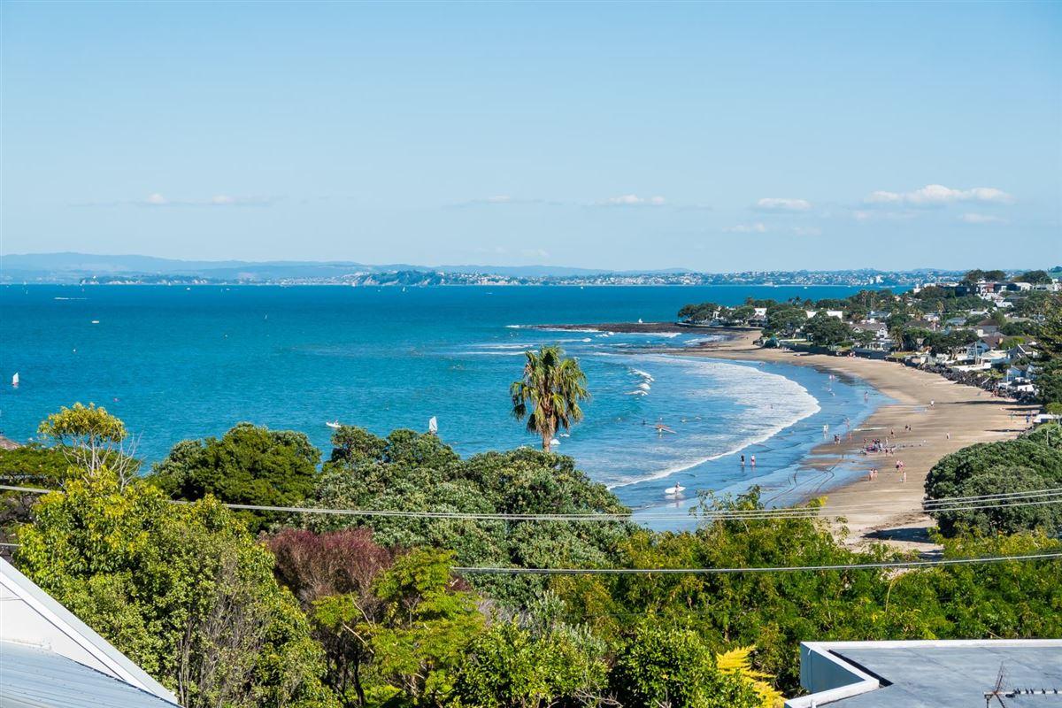 20b & 20a Beach Road, Castor Bay, Auckland - NZL (photo 1)