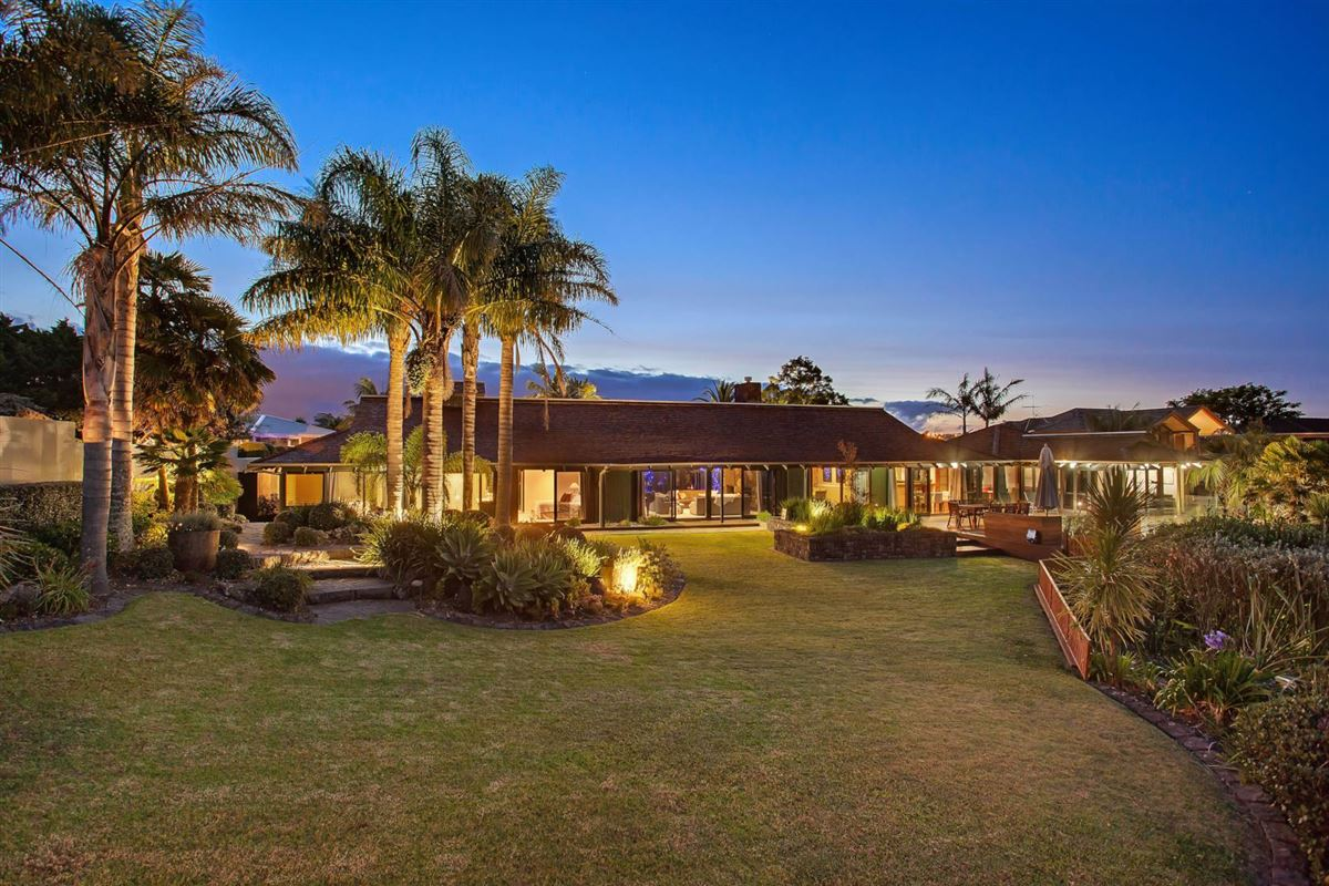 21 Red Bluff Rise, Campbells Bay, Auckland - NZL (photo 4)