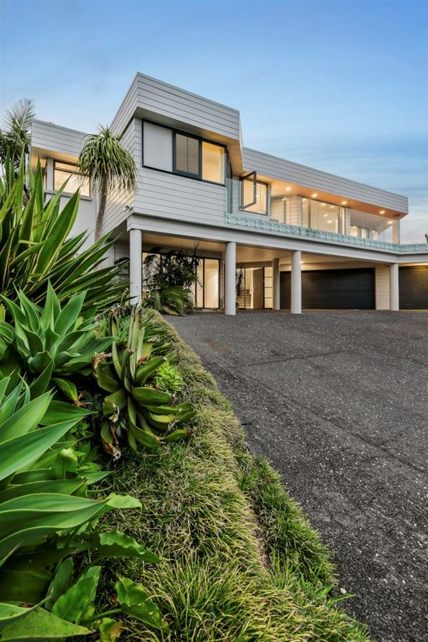 210 Sandspit Road, Shelly Park, Auckland - NZL (photo 2)