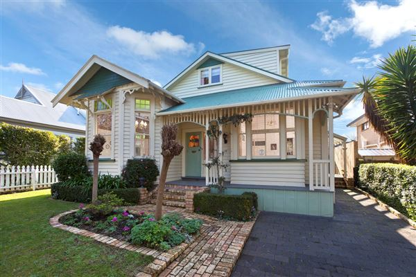 1900s villa in auckland new zealand luxury homes for Luxury homes for sale new zealand