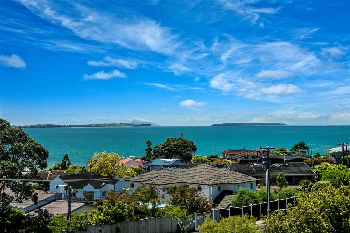 24 Kowhai Road, Campbells Bay, Auckland - NZL (photo 3)