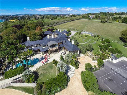 Auckland manor of grand proportions new zealand luxury for Luxury homes for sale new zealand