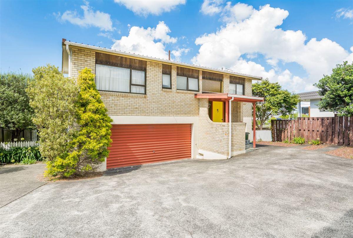 3/2 Marama Street, Castor Bay, Auckland - NZL (photo 2)