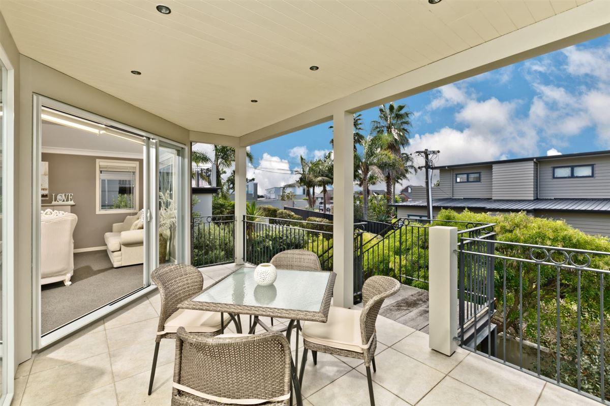 33a Aberdeen Road, Castor Bay, Auckland - NZL (photo 3)