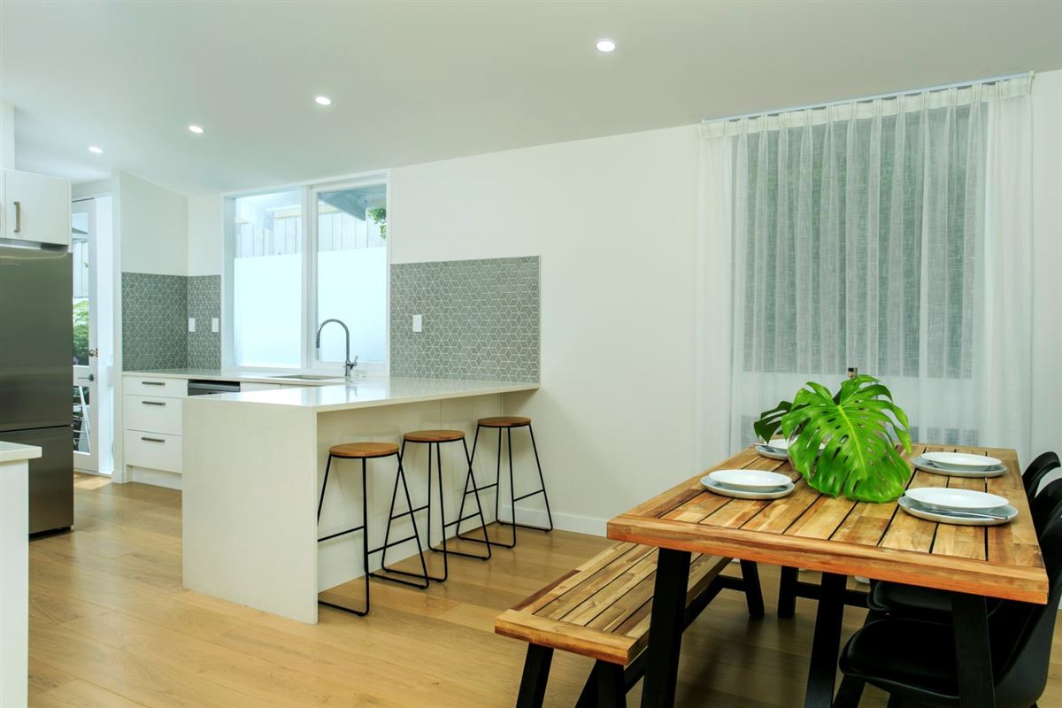 44 Channel View Road, Campbells Bay, Auckland - NZL (photo 4)