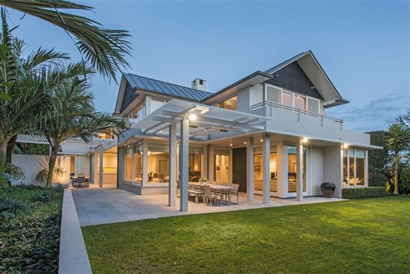 Extremely coveted area in devonport new zealand luxury for Luxury homes for sale new zealand