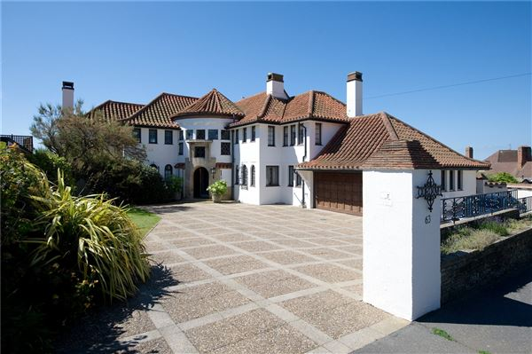 A Substantial Villa In Bexhill On Sea United Kingdom
