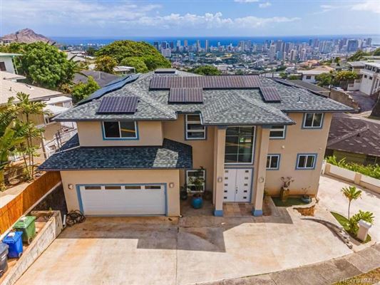 Amazing Ocean And City Views Hawaii Luxury Homes Mansions For Sale Luxury Portfolio