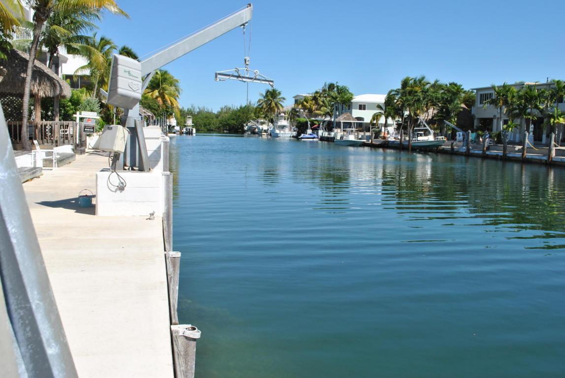 Spacious Venetian Shores Waterfront Home Florida Luxury