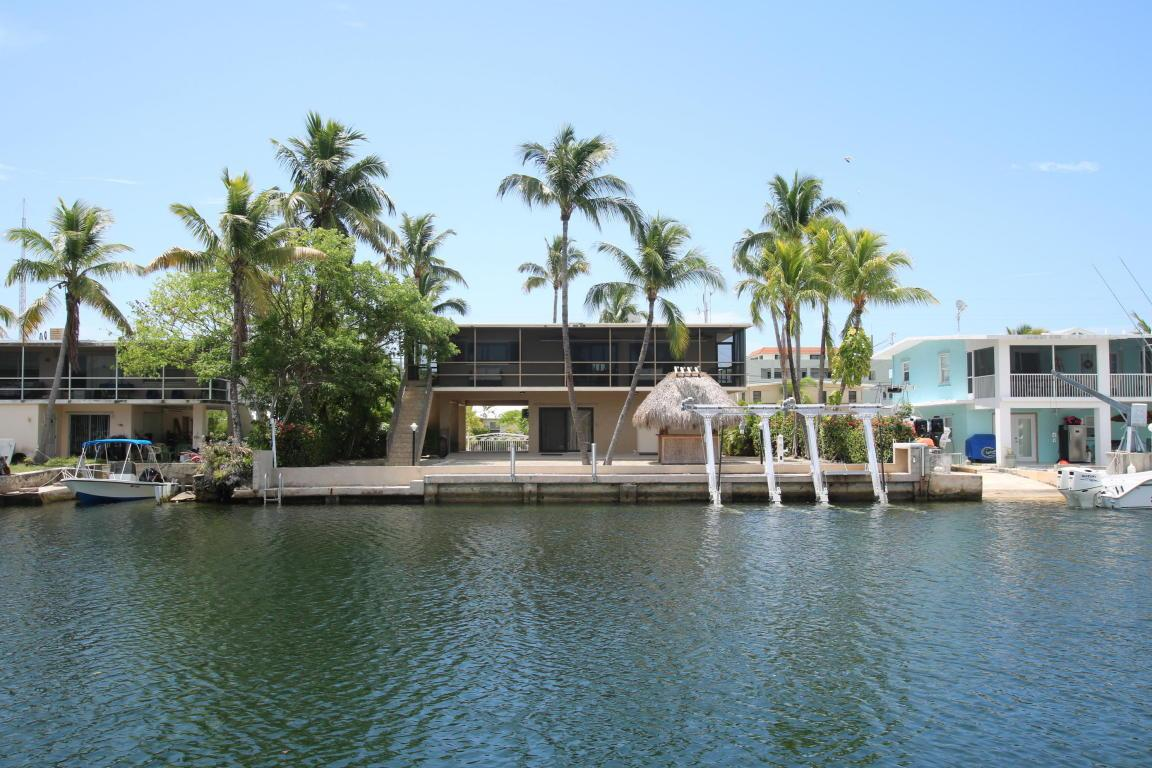 Beautiful home in desirable location florida luxury for Venetian shores