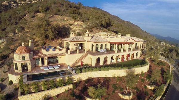 Stunning New Mediterranean Villa California Luxury Homes Mansions For Sale Luxury Portfolio