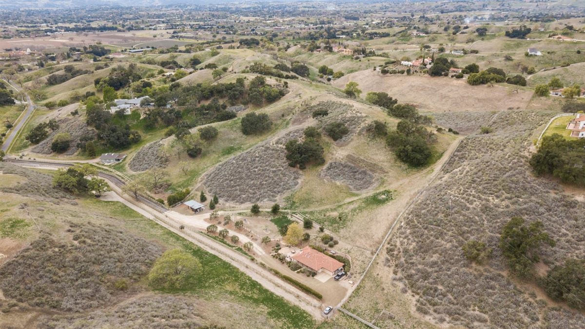 2701 Pepper Tree Ranch, Santa Ynez, CA - USA (photo 4)