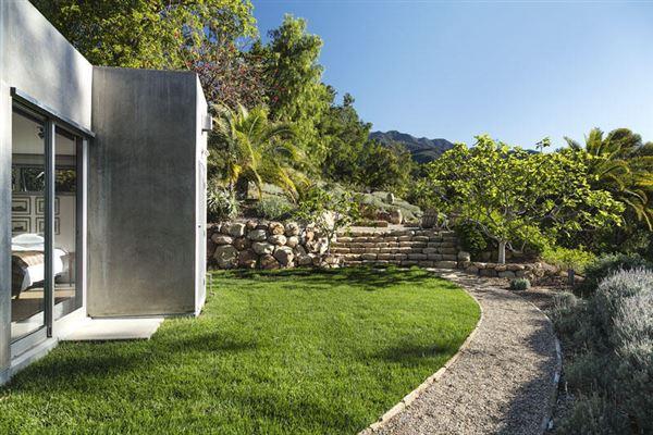 Sleek modern home in montecito california luxury homes mansions for sale luxury portfolio - Residence de luxe montecito santa barbara ...