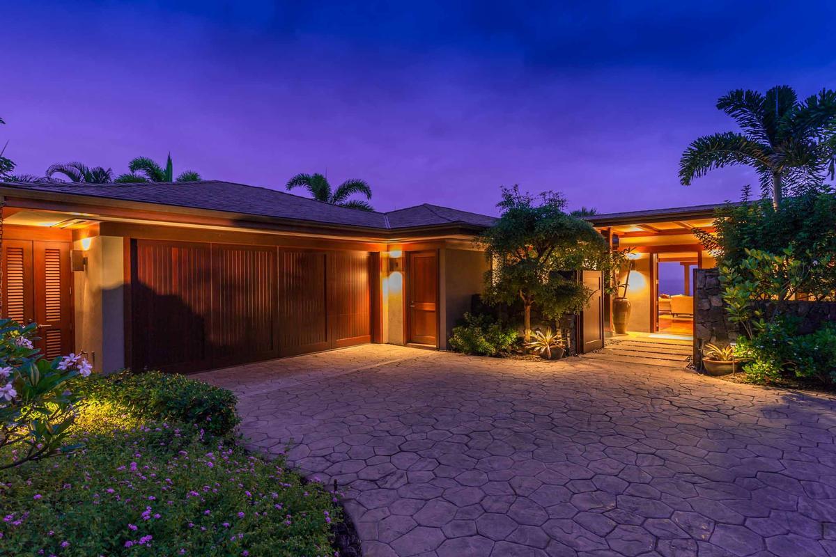 Exquisite bayview estates home hawaii luxury homes for Hawaii luxury homes for sale
