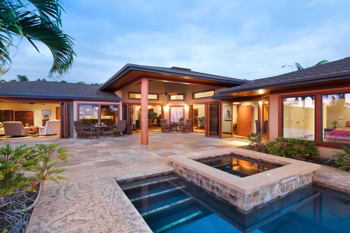 Custom kona vista home with panoramic views hawaii for Hawaii luxury homes for sale