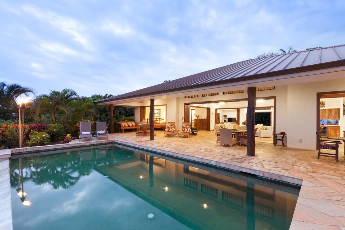 Tropical island retreat hawaii luxury homes mansions for Luxury homes in hawaii for sale