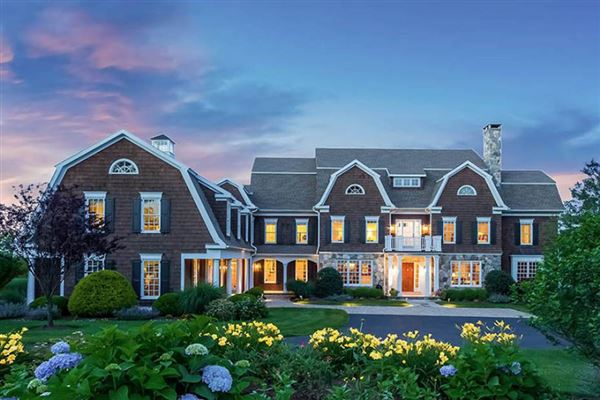 Hartford luxury homes and hartford luxury real estate for Connecticut luxury real estate