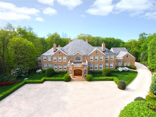 Stunning european elegance connecticut luxury homes for European mansions for sale