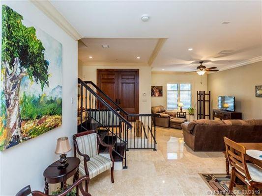 LUXURIOUS, EASY LIFESTYLE IN MIAMI | Florida Luxury Homes | Mansions For  Sale | Luxury Portfolio