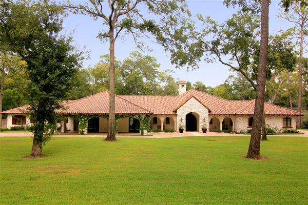 Santa barbara style one story home texas luxury homes for Luxury one story homes