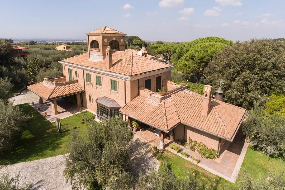 Luxury Villa Close To Rome