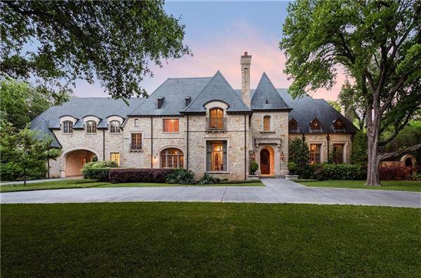 IMPRESSIVE RESIDENCE IN QUIET LOBELLO ESTATES | Texas Luxury Homes |  Mansions For Sale | Luxury Portfolio