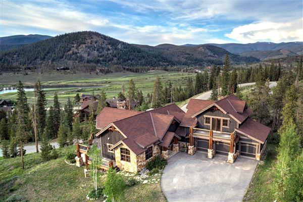 Wonderful Ten Mile Gore Range Views Colorado Luxury