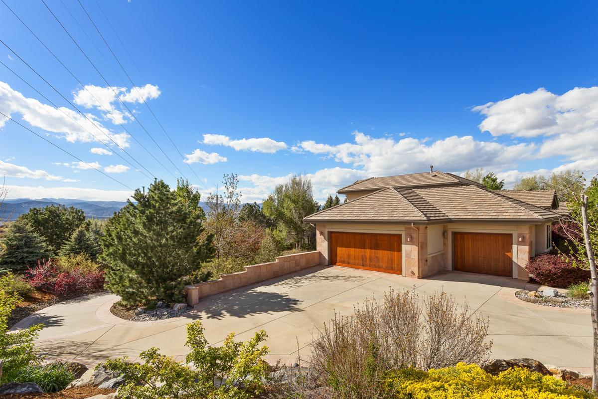 Gallery further Mountain And Lake Home Curb Appeal furthermore Cedar And Stone Concepts furthermore LogHomes likewise 384846730629563470. on colorado mountain mansions for sale